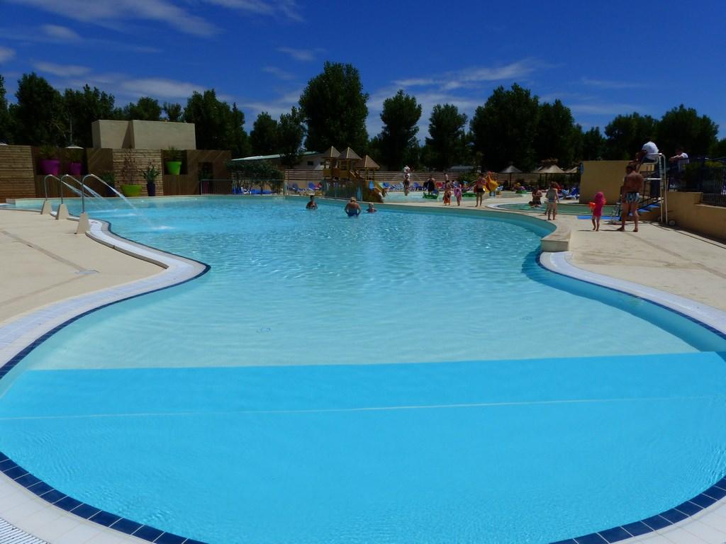 Camping domaine de la yole 5 location occitanie avec - Camping a valras plage avec piscine ...